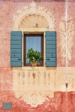 ITA15692AW europe, Italy, Venetia. Beatifully decorated window in Follina.