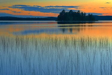 CN10BJY0198 Canada, Quebec, Belleterre. Sunset reflection on Lac des Sables.