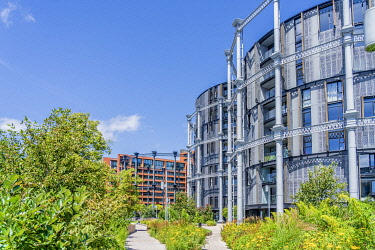ENG17803AW Apartments in Gasholder Park, Kings Cross, London, England, UK