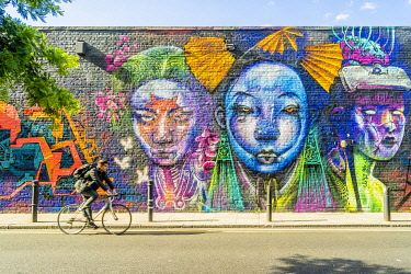 ENG17853AW Street art, Hanbury Street, Shoreditch, London, England, Uk