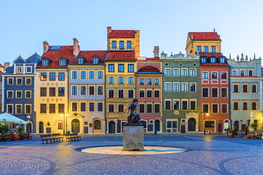 Old Town Market Square and the Warsaw Mermaid at dawn, UNESCO world heritage site, Old Town, Warsaw, Poland, Europe