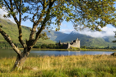 SCO35755 UK, Scotland, Argyll.  Kilchurn Castle is a ruined 15th C castle built by the Campbells of Glenorchy on the north shore of Loch Awe.