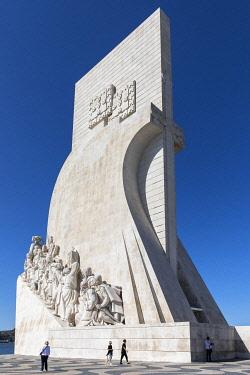 POR11024AW Portogallo - Lisbona Moderna. Vista del Padr�A?o dos Descobrimentos.
