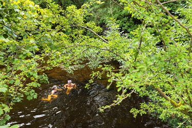 WAL7821 Wales, River Vyrnwy, Wild Swimming (MR)