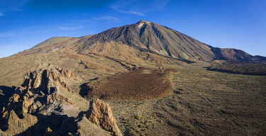 SPA9948AW Spain, Canary Islands, Tenerife, Volcanic landscape in the Teide National Park.
