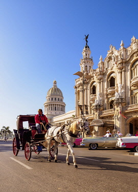 CUB2629AW Horse Carriage at Paseo del Prado, Gran Teatro Alicia Alonso and El Capitolio, Havana, La Habana Province, Cuba