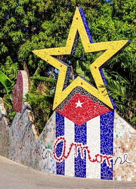 CUB2725AW Street Art in Fusterlandia, Jaimanitas Neighbourhood, Playa District, Havana, La Habana Province, Cuba
