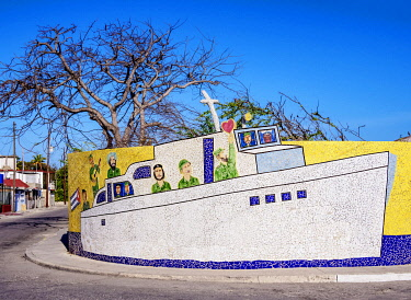 CUB2727AW Granma Boat Mosaic, Fusterlandia, Jaimanitas Neighbourhood, Playa District, Havana, La Habana Province, Cuba