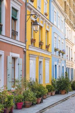 FRA12016AW Rue Cremieux, Paris, France