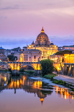 ITA16211AWRF Tiber river and St. Peter�s Basilica church at sunset, Rome, Lazio, Italy