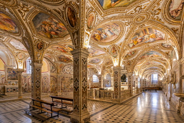 ITA16156AW Crypt of Saint Matthew, Cathedral, Salerno, Campania, Italy