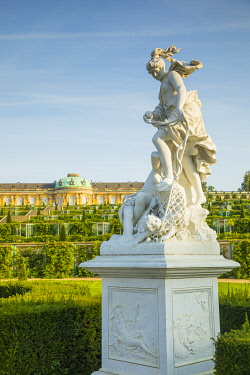DE02147 Sanssouci Palace (Schloss Sansouci), Sanssouci Park, Potsdam, Brandenburg, Germany