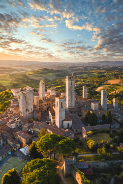ITA16255AW San Gimignano, known as the Town of Fine Towers, Siena province, Tuscany, Italy.