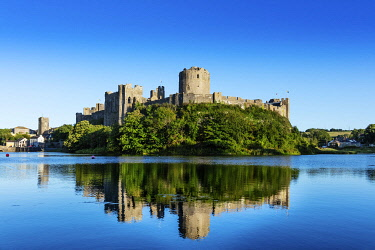 WAL7826AW Europe, United Kingdom, Wales, Pembrokeshire, Pembroke Castle