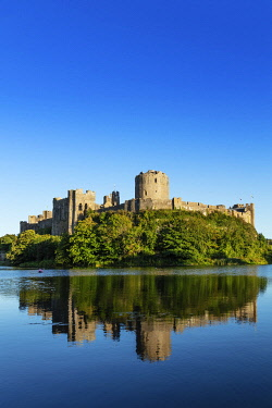 WAL7827AW Europe, United Kingdom, Wales, Pembrokeshire, Pembroke Castle