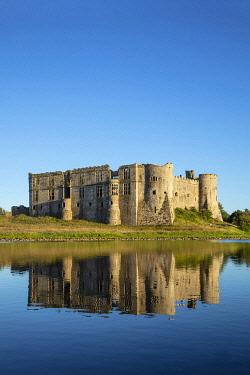 WAL7831AW Europe, United Kingdom, Wales, Pembrokeshire, Carew Castle
