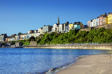 WAL7836AW Europe, United Kingdom, Wales, Pembrokeshire, View of Tenby town and Carmathen Bay