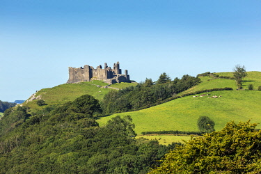 WAL7841AW Europe, United Kingdom, Wales, Carmethenshire, Brecon Beacons. Carreg Cennen Castle - a medieval fortress built in the reign of Edward I