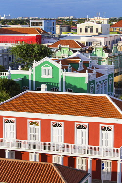 ARU0043AW Caribbean, Aruba, Oranjestad, Colorful houses in the centre of the town.