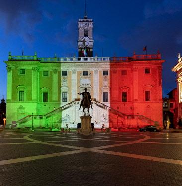 ITA16322AWRF Palazzo Senatorio on Piazza del Campidoglio, on the top of Capitoline Hill with lights of the Italian flag colours in Rome, Italy