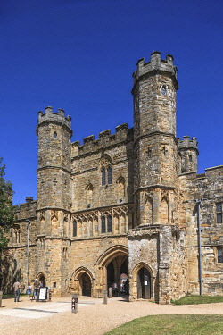 TPX75232 England, East Sussex, Battle, Battle Abbey Gatehouse
