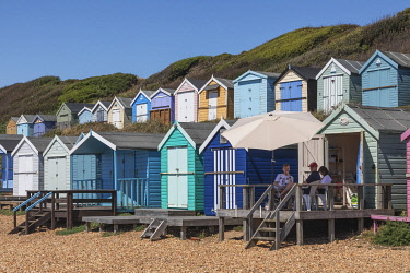TPX75527 England, Hampshire, New Forest, Milton on Sea, Colourful Beach Huts