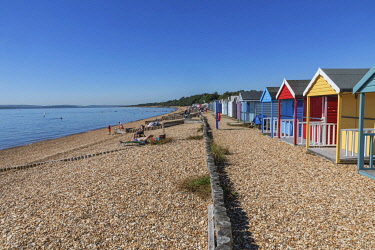 TPX75549 England, Hampshire, New Forest, Calshot, Calshot Beach, Colourful Beach Huts