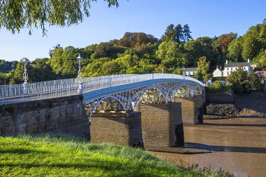 UK0853RF UK, Wales, Monmouthshire, Chepstow, Bridge over river Wye - Border crossing of Gloucestershire, England and Monmouthshire, Wales