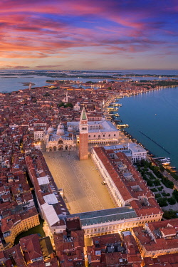 IT021050 Italy, Veneto, Venice, Aerial view of St Mark's square