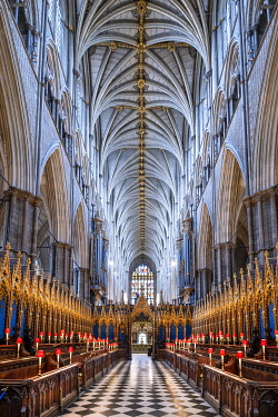 ENG18269AW Europe, UK, England, London, Westminster, Westminster Abbey, interior of the ancient Gothic Abbey and Unesco World Heritage Site, historic monument and Anglican church, quire and nave, no people