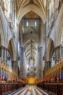 ENG18283AW Europe, UK, England, London, Westminster, Westminster Abbey, interior of the ancient Gothic Abbey and Unesco World Heritage Site, historic monument and Anglican church, quire of the church with Gothic...