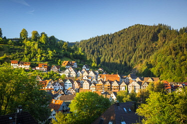 GER12814AW Half-timbered houses in Schiltach, Kinzigtal Valley, Black Forest, Baden-Wurttemberg, Germany