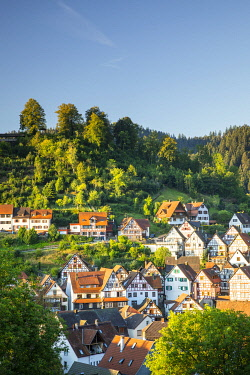 GER12815AW Half-timbered houses in Schiltach, Kinzigtal Valley, Black Forest, Baden-Wurttemberg, Germany