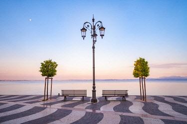 CLKMM137526 Europe, Italy, Veneto, Garda Lake: Lazise at sunrise