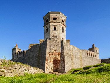 POL3016AW Krzyztopor Castle in Ujazd, Swietokrzyskie Voivodeship, Poland