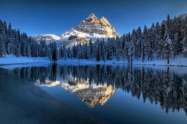 ITA16593AW Tre Cime di Lavaredo Reflecting in Lake Antorno, Belluno Province,  Veneto, Dolomites, Italy