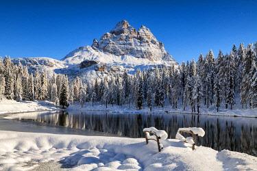 ITA16600AW Tre Cime di Lavaredo & Lake Antorno in Fresh Snow, Belluno Province,  Veneto, Dolomites, Italy