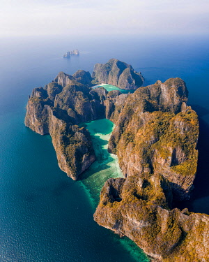 IBXLRE06004798 Aerial view, Koh Phi Phi Leh lagoons with turquoise water, karst rocks and Maya Bay in the background, tropical island, Koh Phi Phi, Krabi Province, Thailand, Asia