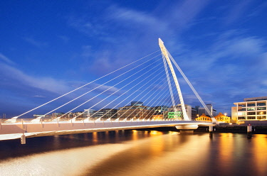IRL1152AW Samuel Beckett Bridge over River Liffey at night, Docklands, Dublin, Republic of Ireland