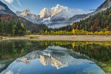 SLO1364AW Julian Alps reflected in Jasna Lake, Slovenia