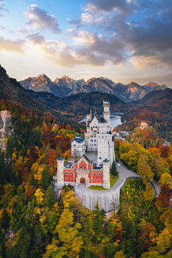 Neuschwanstein castle, Schwangau, Bavaria, Germany.[credit][sep = / ]