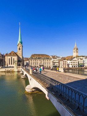 IBLWER06513507 Minster bridge over the Limmat, Fraumünster, St. Peter's church, Wühre, old town, city view, Zurich, Canton Zurich, Switzerland, Europe