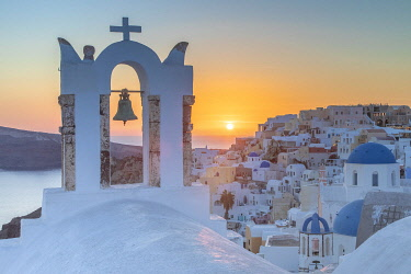 Greece, Cyclades, Santorini Island (Thera or Thira), village of Oia, sunset