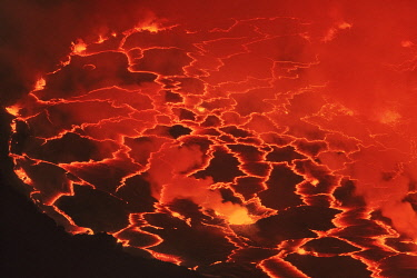 Lava lake Nyiragongo with lava meltings and fountains - Congo, Democratic Republic, North Kivu, Virunga Mountains, Nyiragongo, crater edge - Great Rift Valley, Albertine Rift, Virunga National Park
