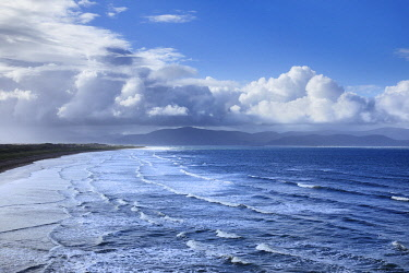 Ocean coast with clouds - Ireland, Kerry, Dingle Peninsula, Inch, Inch Strand