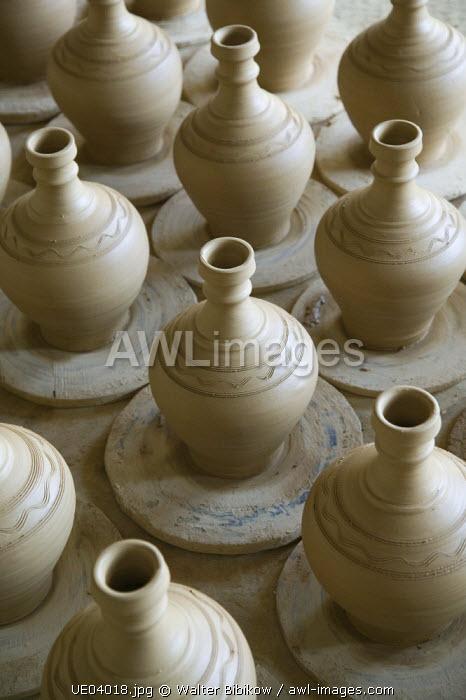 Bahrain, A'Ali famous pottery making town, traditional Bahraini pottery