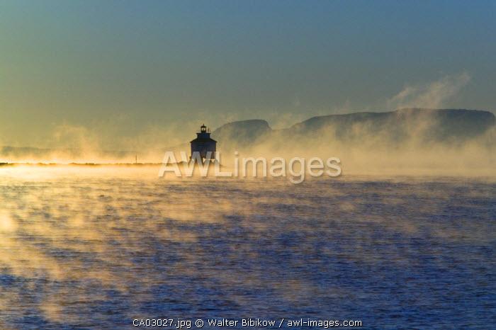 Thunder Bay Harbor Lighthouse, Thunder Bay, Ontario, Canada