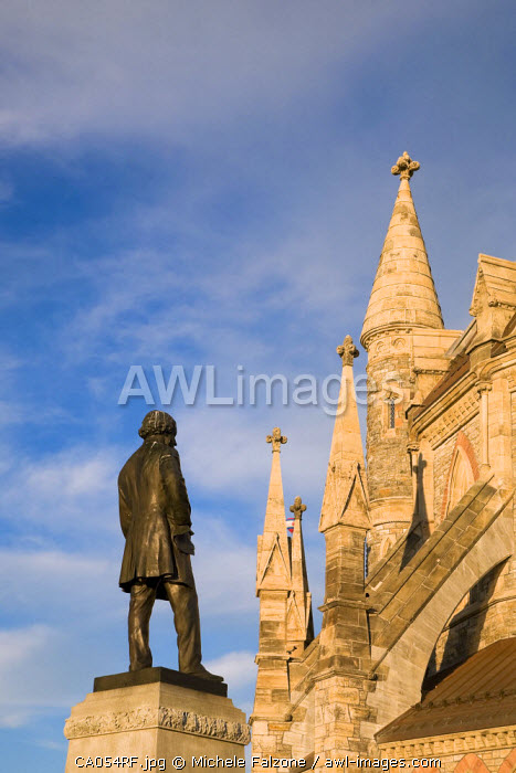 Library of Parliament and Statue of Thomas D'Arcy McGee, Parliament Hill, Ottawa, Canada