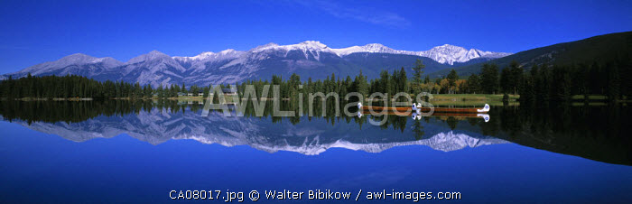 Lake Beauvert, Jasper NP, Alberta, Canada