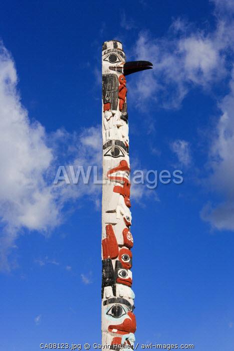 Totem Pole, Town of Jasper, British Columbia, Jasper National Park, Rocky Mountains, Canada